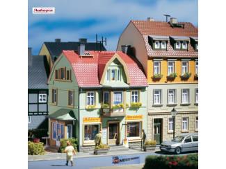 Auhagen HO 12247 Bakkerij en IJssalon - Modeltreinshop