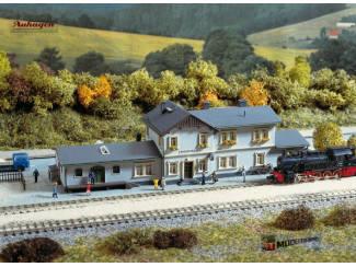 Auhagen N 14453 Station Radeburg - Modeltreinshop