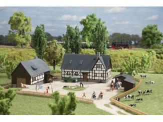 Auhagen N 14465 Boerderij met bij Gebouwen - Modeltreinshop