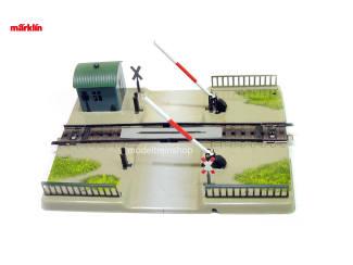 Marklin H0 7390 V7 Spoorwegovergang M rail - Modeltreinshop