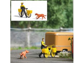 Busch H0 aktie set Brief bezorging op fiets, achternagezeten door hond - Modeltreinshop