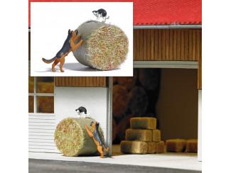 Busch H0 7920 aktie set Hond achter een kat op een strobaal - Modeltreinshop