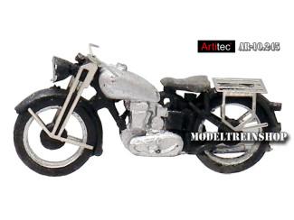 Artitec H0 10.245 Motor Triumph Civiel bouwpakket uit resin, ongeverfd - Modeltreinshop